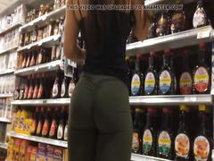 Great ass shopping in leggings