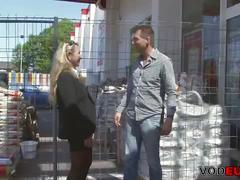 Deutsche brunette wird gefickt und spritzte auf ihre meise