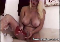 Busty heather playing her pussy on bathtub