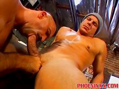 Bear horny hunk gets a huge cock to suck and he does it well