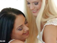 Light kisses by sapphic erotica - sensual erotic lesbian porn with candee liciou