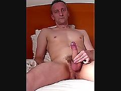 Howieboy1 cums eater