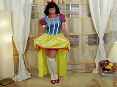Snow white hang job