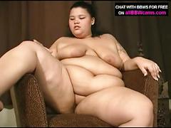 Bbw gal wants dildo in her chubby pussy