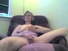 Russian babe sucks on her husband dicks with lavish tonguing! damm