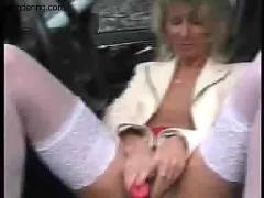 Mature whore public car fuck