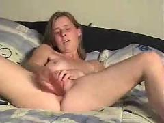 My hot wife masturbate for you. she loves to be watched !