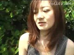 Japanese girl show body in public park
