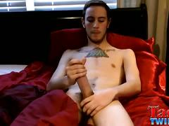 Tasty twink chase firs time jerk on cam