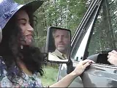 Julia channel autostopeuse