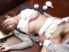 Sexy japanese housewife gets fucked