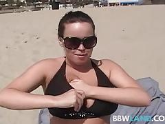 Sexy pornstar brandy taylor flashes at the beach