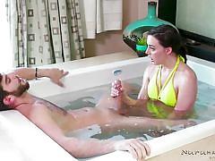Hardcore massage action in the bathtub