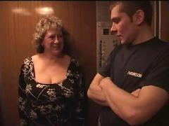 Granny fuck in lift