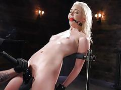 Chloe cherry gets loud when she's cumming