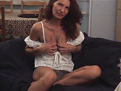 Sexy brunette mom doing likes to finger her cunt