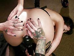 Horny lesbians prefer hard rope bondage