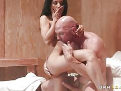Hot wife tia cyrus gets rammed