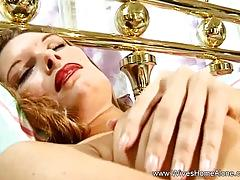 Solo hot housewife babe candy