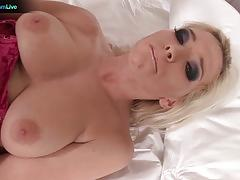 Pretty aneta head having fun with a sweet glass dildo