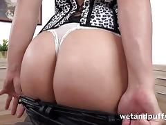 Wetandpuffy oiled up pussy play solo