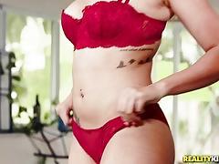 Hot blonde jessica jones bouncing on a throbbing cock