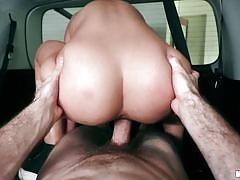 Marilyn loves to fuck in the car