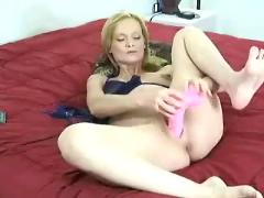 Beauty mature pregnant mom solo shaved pussy dildo masturbating