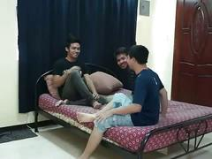 Threesome oral sex with bangkok young twinks.
