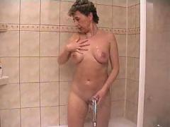 Anna masturbate on the shower with a dildo