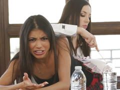 Veronica rodriguez had squirting orgasms with help of jelena jensen