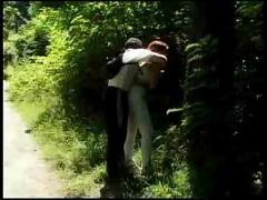 Prise dans les bois et chez le psy - f94