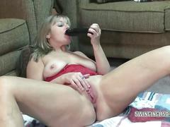 Hd mature liisa fucks a big black dildo