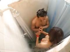 Groped modelo asian en la ducha