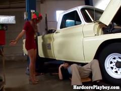 Amateur redhead babe fucking a mechanic