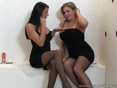 Glory hole blowjob -  vittoria risi e sofia gucci
