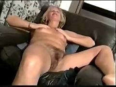 Solo hairy mature