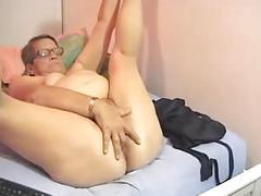 Hairy bbw granny plays on cam