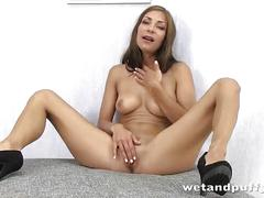 Hot brunette squirting
