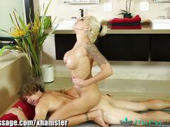 Nurumassage mom gives step-son a really happy ending