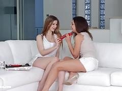 Kinky babes henessy and stella cox in christmas came late