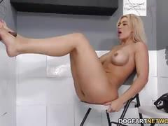 Anal slut spanish assh lee takes bbc - gloryhole