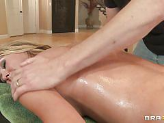 Horny blonde gets her pussy fingered at massage
