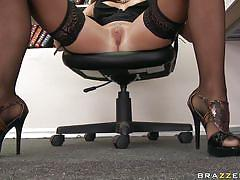 Hot boss getting her pussy licked
