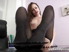 Hot secretary rips pantyhose to play with toys