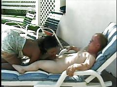 Midget guy having fun with a ebony babe
