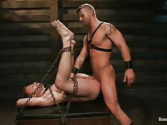 Pretty boy in chains takes it deep