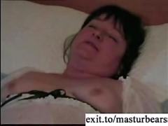 Bbw milf claire masturbating with cucumber