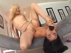 Brunette fucks her blond bitch...f70