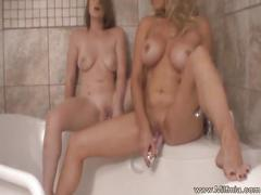 Milf mia and sexy teen toying in the bathtub